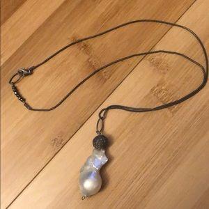 Gorgeous unique pearl necklace